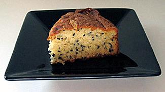 Tender sesame cake.