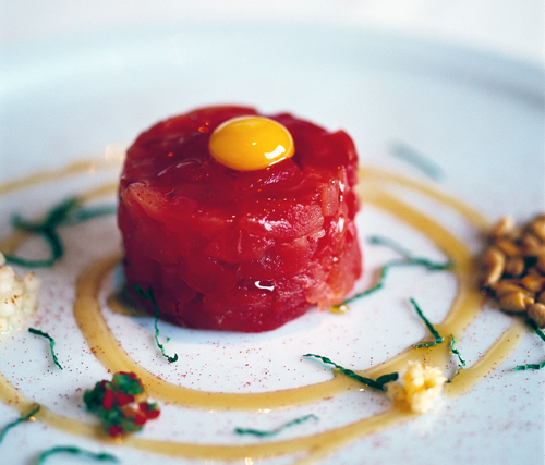 Ahi tartare at Restaurant Michael Mina. (Photo courtesy of the Mina Group)