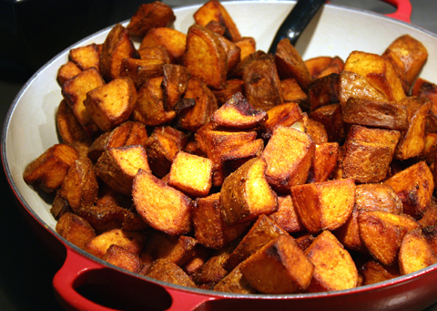 Fried potatoes with spicy aioli.