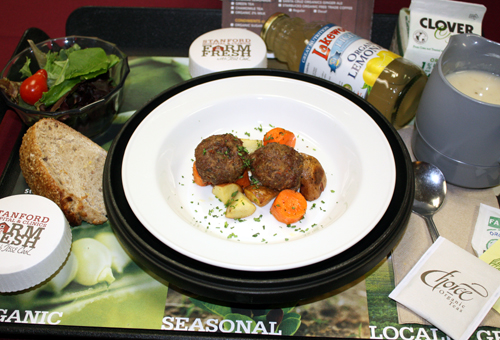The organic dinner tray for patients comes complete with your choice of soup with grass-fed meatballs.