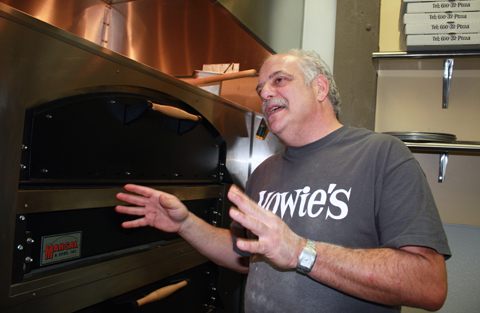 Chef Howard Bulka talks pizza.