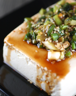 More Easy Asian Dishes: Warm Tofu with Spicy Garlic Sauce