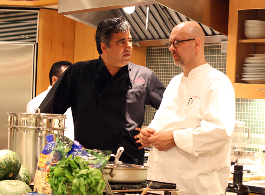 Chefs Hoss Zare and Staffan Terje joke around before the battle begins.