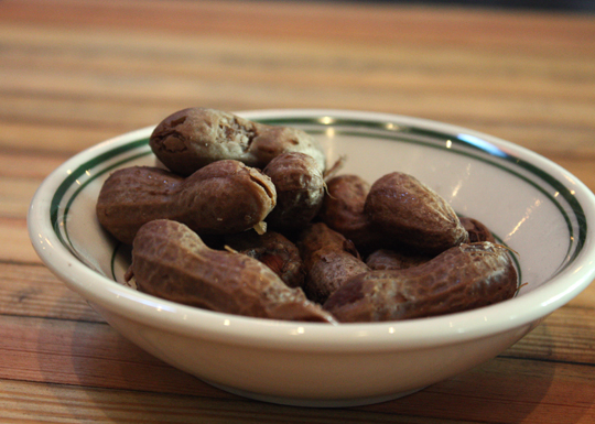 Easy-to-peel boiled peanuts.