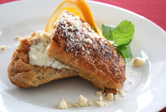 Thick, crisp French toast -- what a way to wake up at the Old Wailuku Inn. And this is only a half-order.