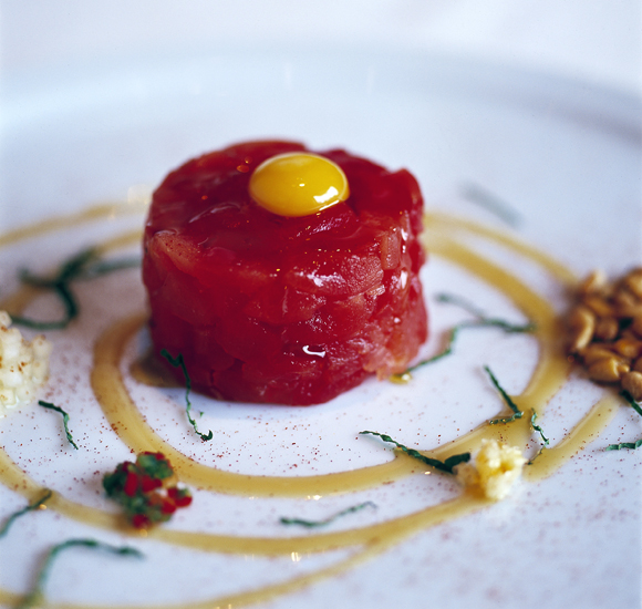 The signature tuna tartare at Michael Mina restaurant. (Photo courtesy of the restaurant