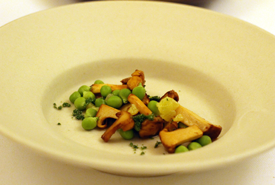 Baby chanterelles with sweet peas.
