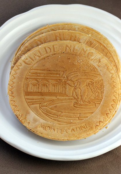 Italian wafer sandwich cookies with a distinctive imprint.