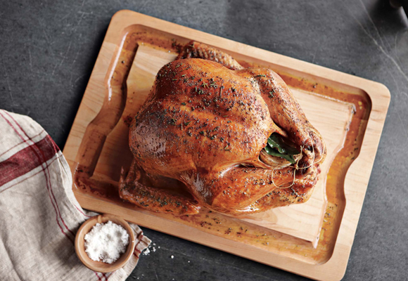 How'd you like to sit down to this magnificent turkey for Thanksgiving? (Photo courtesy of Williams-Sonoma)