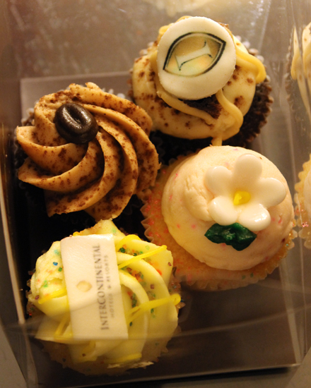 A welcome gift of mini cupcakes from the hotel.