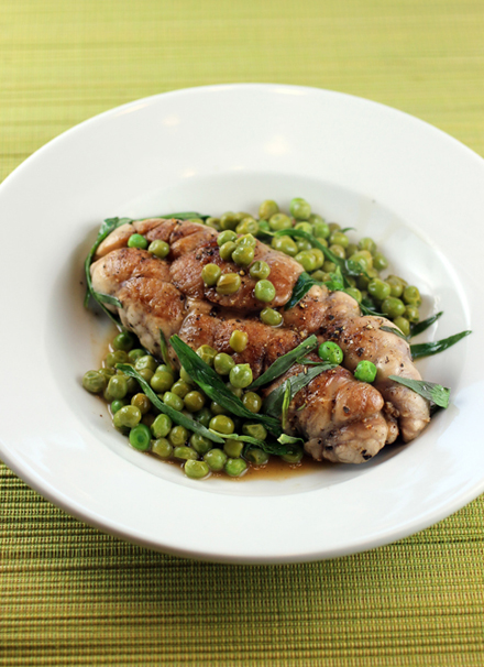 Amaze your friends by cooking this flavorful sweetbreads dish with peas and tarragon by Chef Chris Cosentino.