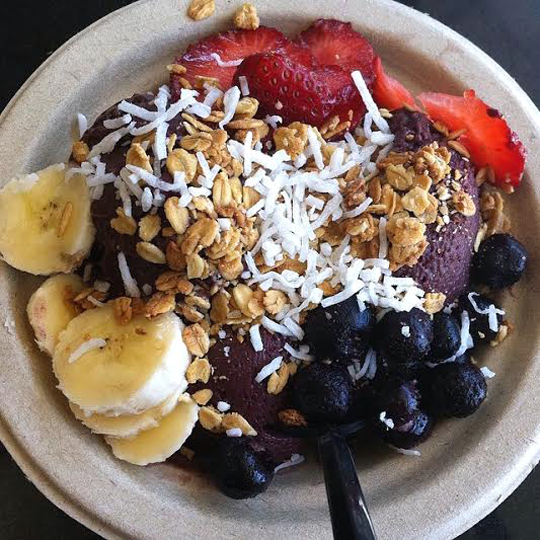 The acai bowl. (Photo courtesy of Sidewalk Juice)