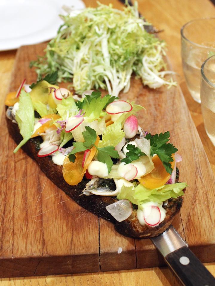 Sardine tartine.