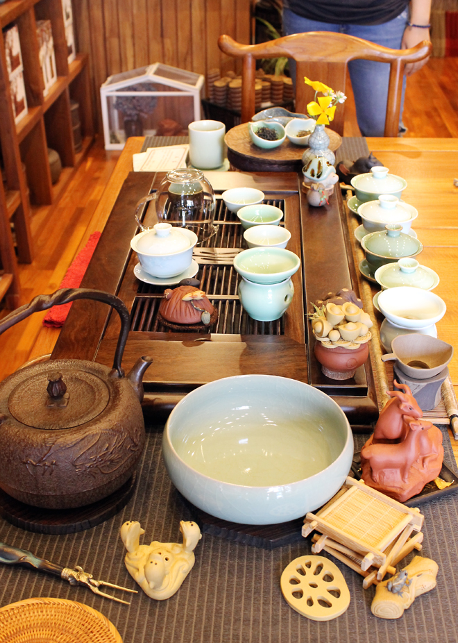 A tea tasting set to begin.