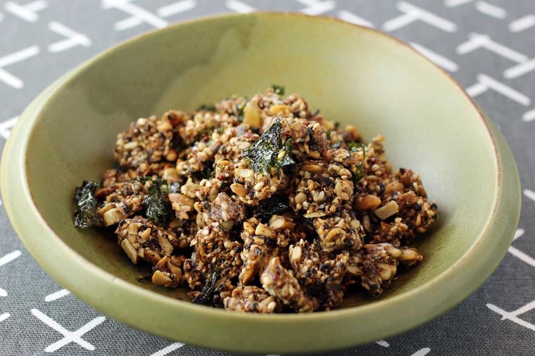 Toasted seaweed flavors the Furikake State Bird Seed.