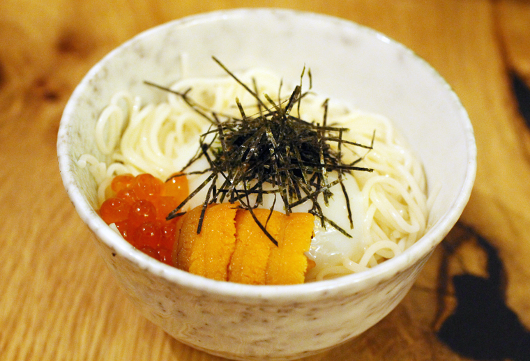 Chilled somen noodles with uni.