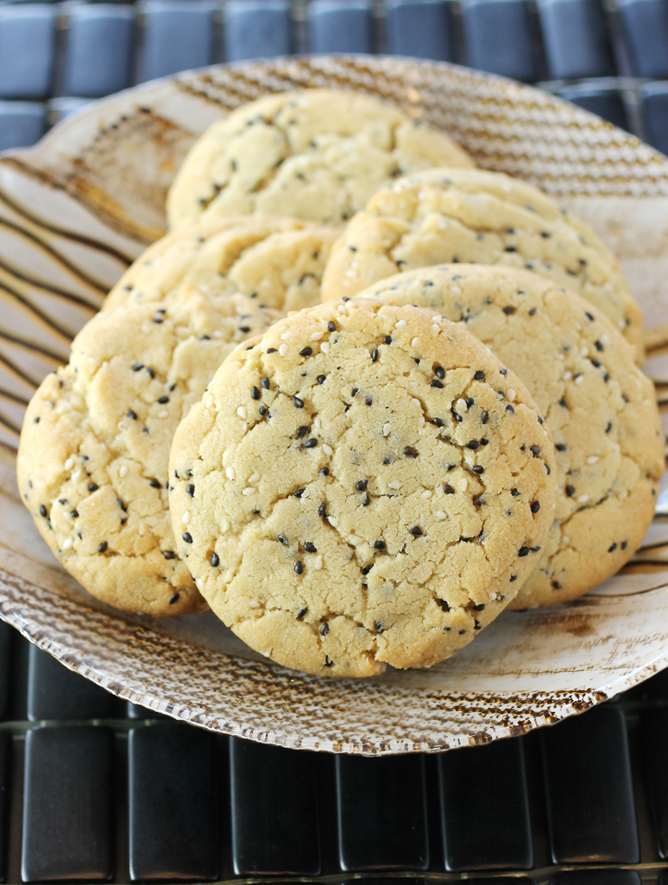 A nice change of pace from chocolate chip, peanut butter or snickerdoodle cookies.