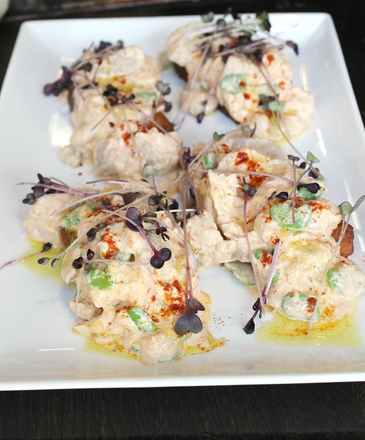 Spicy tuna confit.