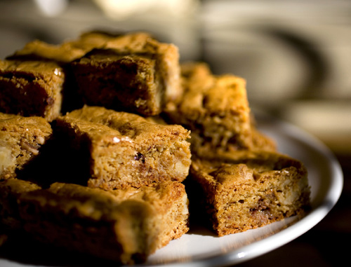 Brown-butter toffee blondies. Photo by Joanne Hoyoung-Lee.