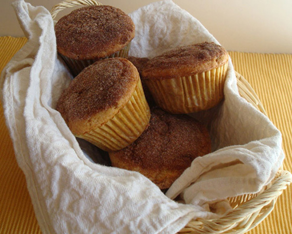 Cinnamon-buttermilk muffins
