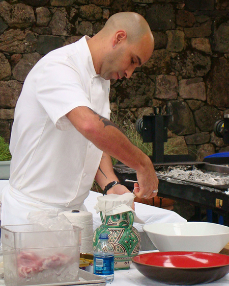 Chef Mourad Lahlou preparing a tangia to cook in the ashes.