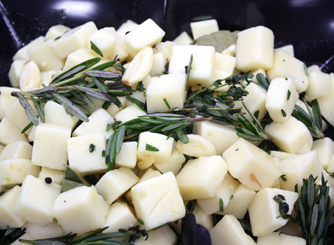 Marinated Idiazabal cheese with rosemary.
