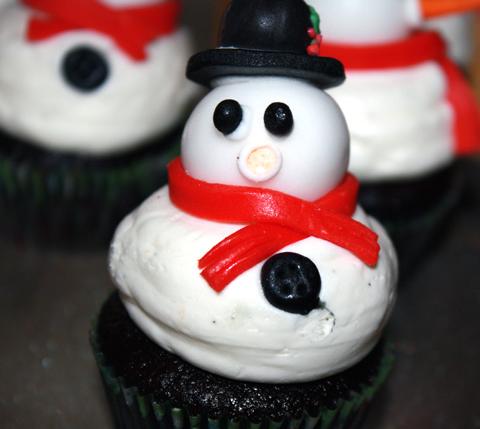 Chocolate snowman cupcakes