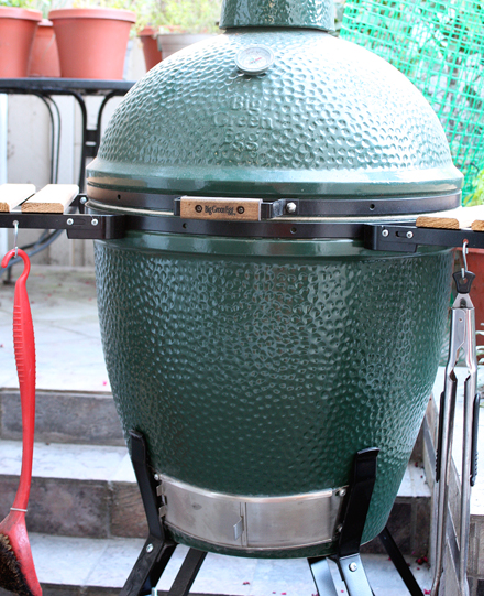 Ladies and gentlemen, I give you the Big Green Egg.