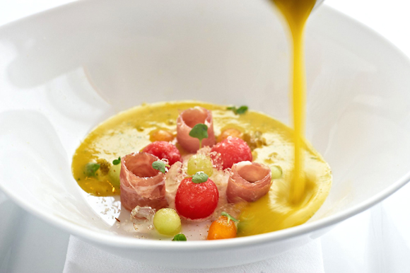 Prosciutto and melon soup at eVe restaurant. (Photo by Nick Vasilopoulus)