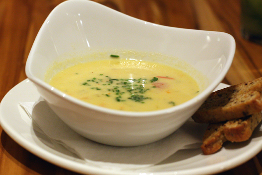 A creamy corn chowder that's dairy-free.