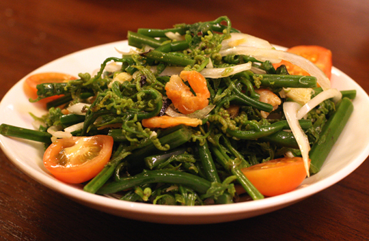 Hana fiddle head fern salad.
