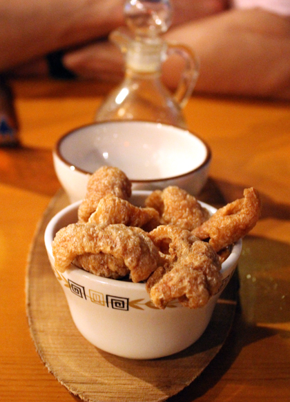 The first volley: a bowl of crunchy chicharrones.