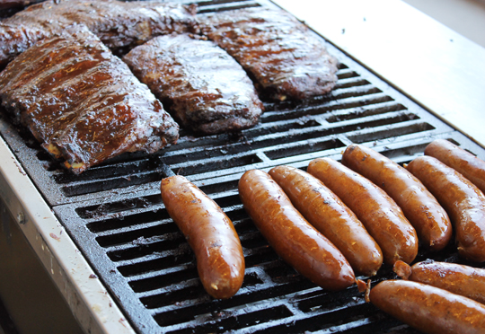 Farr's ribs and hot links.