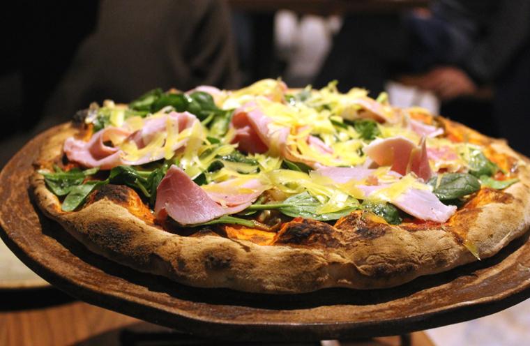 Pizza with Prosciutto Coto.