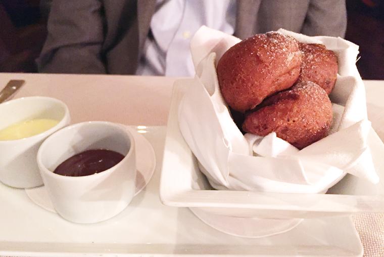 Bomboloni (banana doughnuts).