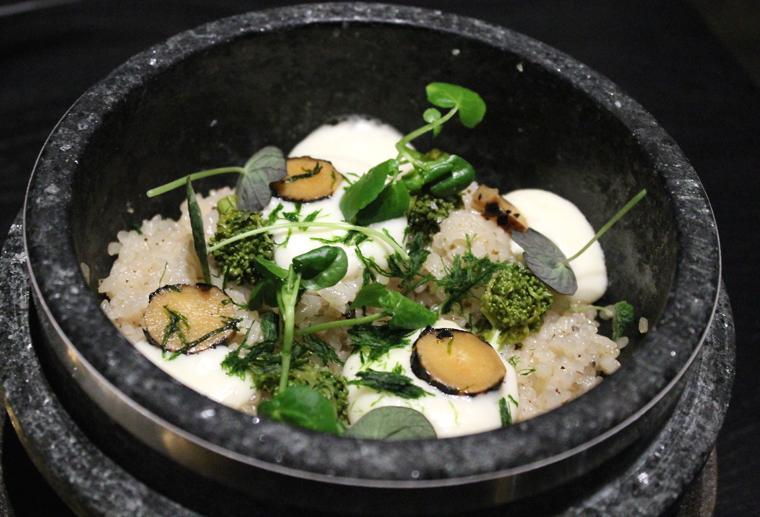Clay pot rice.