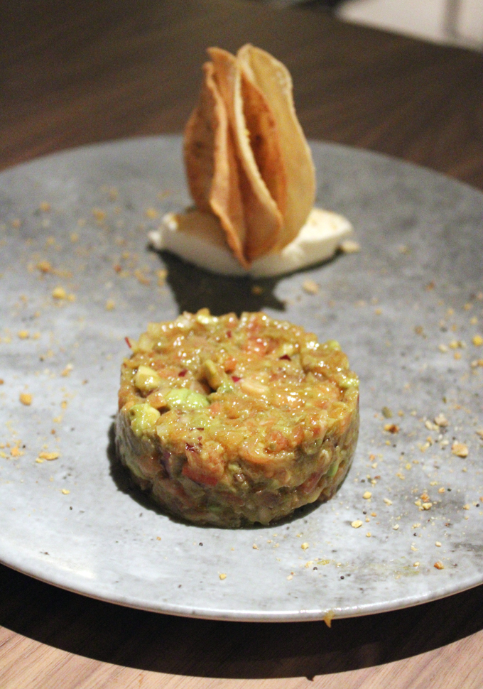 Voila -- the salmon tartare is unveiled inside.