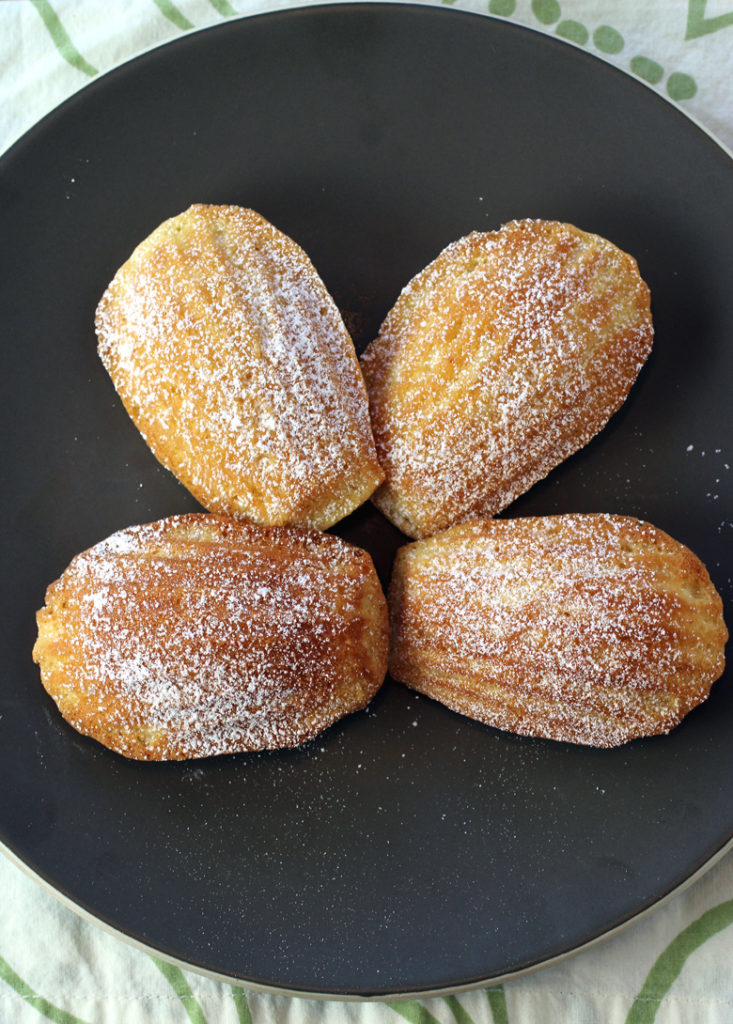Dainty madeleines flavored with honey and browned butter.