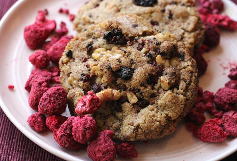 Like raspberry pie a la mode in cookie form.